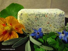 Kräuter-Blüten-Butter - Mario´s Fire Food & Fine Food Impressum: http://www.mario-kaps.de/impressum/