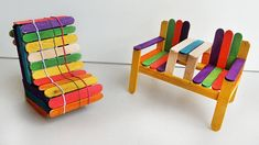 Diy Popsicle Stick Crafts, Popsicle Sticks, Cardboard Box Crafts, Paper Crafts, Deck Chairs, Adirondack Chairs, Dining Chairs, Diy Deck, Barbie Furniture