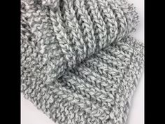 Fisherman's Rib Free Knit Scarf Pattern for Beginners Types Of Knitting Stitches, Beginner Knitting Patterns, Knitting For Beginners, Free Knitting, Knitting Tutorials, Knitting Machine, Knitting Projects, Crochet Blanket Patterns, Stitch Patterns