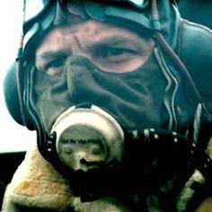 Christopher Nolan desvela por qué tapa la cara de Tom Hardy en sus películas https://link.crwd.fr/Ofp