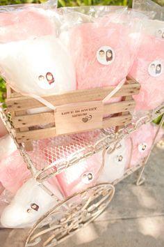 Cute display of pink cotton candy wedding favors Modern Wedding Favors, Handmade Wedding Favours, Creative Wedding Favors, Inexpensive Wedding Favors, Edible Wedding Favors, Wedding Favors For Guests, Bridal Shower Favors, Wedding Ideas, Wedding Decorations