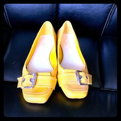 623c5002a6d Anne Klein iflex flat shoe Bright yellow with buckle accent across the toe.  Size 7M