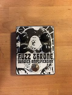 For sale is a Dunwich Fuzzthrone. A fuzzface clone with an extra gain stage. Sound just like Conan! No velcro in near mint shape. Will include box.
