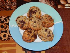 Low Carb Chocolate Chip Cookies, a very tasty recipe with image from the category . Low Carb Cake, Low Carb Menu, Low Carb Cookies, Low Carb Desserts, Chocolate Chip Cookies Rezept, Chocolate Desserts, Healthy Baking, Healthy Recipes, Healthy Food