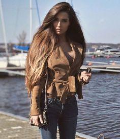 Love Hair, Great Hair, Big Hair, Beautiful Long Hair, Gorgeous Hair, Beautiful Women, Curled Hairstyles, Pretty Hairstyles, Long Indian Hair