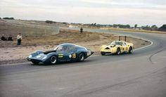 Autodromo Oscar Cabalen en Cordoba, el Huayra Ford de Carlos Reutemann y el Baufer Chrysler de Juan Manuel Bordeu