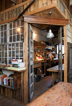 in house workshop room. I would want an in house music workshop room Workshop Studio, Garage Workshop, Workshop Ideas, Workshop Design, Wood Workshop, Bar Design, Home Design, Interior Design, Rustic Design