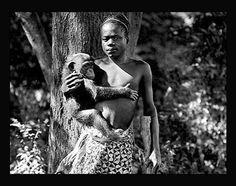 Oto Benga, un hombre expuesto en el zoológico del Bronx de Nueva York a principios de siglo XX. Esta y más fotos de personajes que han marcado la historia del racismo pinchando en la imagen.