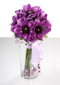 Anemones are available from fall to spring in blue, purple, red, pink and white.