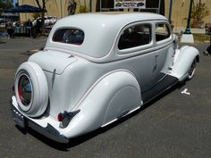 1936 Ford 2-door sedan
