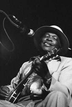 1980 ♦ John Lee Hooker - - American blues singer, songwriter and guitarist. Jazz Blues, Blues Music, Blues Artists, Music Artists, Rock N Roll, Celine, Blue Song, John Lee Hooker, Delta Blues