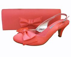 Twee Coral Satin Slingback Shoe. #CoralWeddingShoes