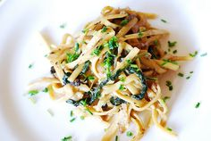 Creamy mushroom pasta with caramelized onions and spinach by JuliasAlbum.com, via Flickr - I think I'd add chicken to this.