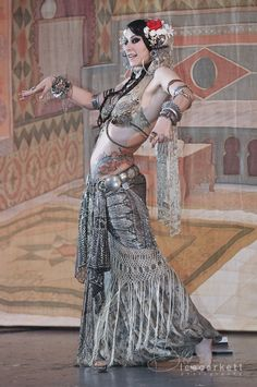 Belly dancing........lovely costume!