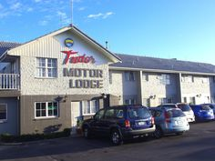 Hamilton Tudor Motor Lodge New Zealand, Pacific Ocean and Australia Set in a prime location of Hamilton, Tudor Motor Lodge puts everything the city has to offer just outside your doorstep. Both business travelers and tourists can enjoy the hotel's facilities and services. Free Wi-Fi in all rooms, luggage storage, Wi-Fi in public areas, car park, room service are just some of the facilities on offer. Guestrooms are fitted with all the amenities you need for a good night's sleep...