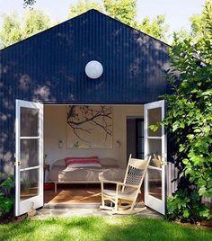 Ideal para momentos de refúgio e descanso, esta cabana nos Estados Unidos é pura inspiração. Quem aprova a ideia de um cantinho como esse? #revistacasaclaudia #decoração #decor #decoration #casa #house #home #homedecor #caban