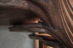 the devil in/and the details! @alex.haw getting up close and personal with #stairstalk   #timber #wood #woodcraft #LVL #laminatedveneerlumber #oak #grandesignstaircases #theworldneedsmorespiralstaircases #woodart #woodconstruction #workmanship #craft #artisans #poland #decoration #artwatchers #interiorinspiration #art #instaartist #instastyle  #atmosstudio