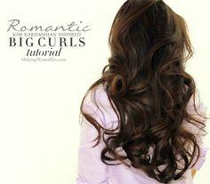 Big curly hairstyle tutorials video prom wedding for school loose waves Kim Kardashian Big Curls Tutorial Big Curls For Long Hair, Big Loose Curls, Big Curly Hair, Loose Waves, Wavy Curls, Bouncy Curls, Natural Curls, Long Curly, Short Hair