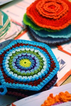potholder - would also make a good granny square for blankets, in my opinion.