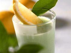Sauerampfer-Buttermilch ist ein Rezept mit frischen Zutaten aus der Kategorie Gemüse. Probieren Sie dieses und weitere Rezepte von EAT SMARTER!