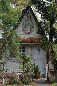 Farmhouse Cottage #famfinder