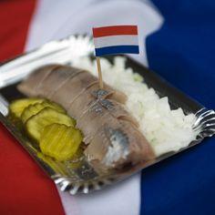 Hollandse Nieuwe is de eerste jonge haring van het seizoen die geschikt is voor consumptie. Op vlaggetjesdag wordt volgens traditie de eerste vangst van de 'Hollandse nieuwe' binnengehaald.