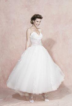 d5461f0a64cf rinda le spose di Carlo Pignatelli 2016.  carlopignatelli  sposa  bride   weddingdress  bridalgown  weddingday  matrimonio