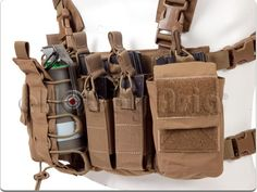 Haley Strategic D3 Chest Rig (Coyote Brown)