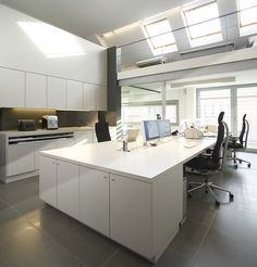 For more info and pictures visit our website: http://eurosunkeukens.be/functioneel-werken