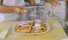 Składniki:  2 szklanki mąki  1/4 łyżeczki sody  1/4 łyżeczki