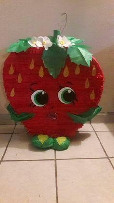 Strawberry shopkin piñata/ fiesta de Shopkins