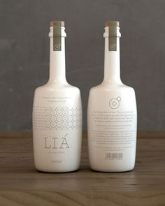 Packaging Designs that Scream Buy Me! LIA Olive Oil by Bob Studio Olive Oil Packaging, Bottle Packaging, Brand Packaging, Design Packaging, Food Packaging, Olive Oil Brands, Pretty Packaging, 3d Models, Flyer