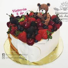 Hjemmebakt på Auli (@hjemmebaktauli) • Instagram photos and videos Forest Fruits, Berry Cake, Nom Nom, Birthday Cake, Desserts, Victoria, Videos, Food, Photos