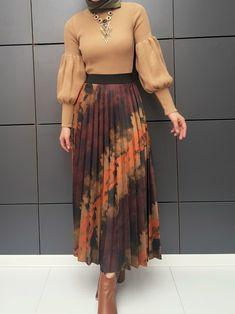 Modern Hijab Fashion, Modesty Fashion, Muslim Fashion, Fashion Dresses, Modest Outfits, Chic Outfits, Hijab Fashionista, Hijab Style, Two Piece Dress