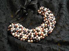 Colier handmade auriu, by Colierehandmade, 80 Lei Textile Jewelry, Lei, Textiles, Beads, Detail, Handmade, Beading, Hand Made, Bead