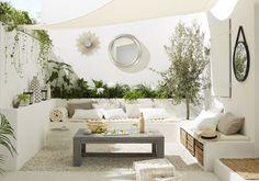 Kleiner Garten im Ibiza-Stil - melissa van der graaff - Dekoration Outdoor Living Space, Outdoor Rooms, Outdoor Decor, Outdoor Space, Outdoor Design, Home Garden Design, Outdoor Spaces, Shade Sail, Balcony Design