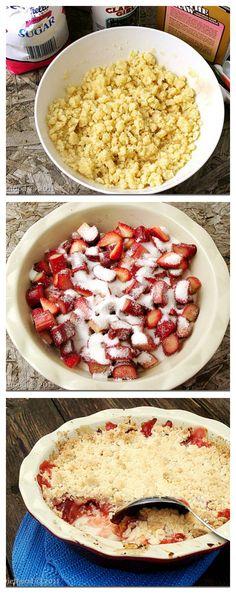 Strawberry Rhubarb Crumble | www.diethood.com