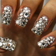 (9NA, silver rhinestone nail)