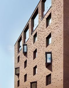 Great photos by Pollard Thomas Edwards / Hill of Ceres in Cambridgeshire with our Freshfield Lane Selected Dark bricks @PTEarchitects #brick #brickarchitecture