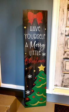 Christmas Wood Crafts, Christmas Porch, Merry Little Christmas, Christmas Tree Decorations, Holiday Crafts, Porch Welcome Sign, Wooden Welcome Signs, Wooden Signs, Painted Signs