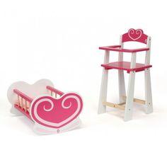 Mobilier de poupée. Ensemble de deux meubles de poupée en bois : un berceau (avec matelas et oreiller) et une chaise haute. De quoi aménager une vraie chambre de bébé pour ses poupées et passer des heures à jouer à la maman. Produits conçus pour des poupées de 40 cm (non fournies).