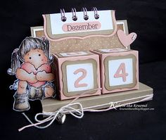 tutorial cube calendar. OMG I LOVE LOVE LOVE this!! Adorable! I have to make one of these!!