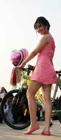 Neha Sharma Latest Hot Unseen Bikini Photoshoot (5)