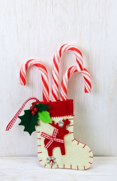 Deck the halls of your home with beautiful white Christmas decorating to create a classy, sophisticated ambiance. Love this white Christmas stocking! Christmas Backdrops, Christmas Party Themes, Modern Christmas Decor, Christmas Gift Decorations, Christmas Candy, Christmas Colors, Christmas Ornaments, Holiday Decor, Christmas 2015