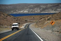 #Viajando por #Chubut: el panorama es roconfortante. #BuenViaje #Rutas #Turismo #Argentina #ViajesGuíasYPF #GuíasYPF #Viajes #YPF
