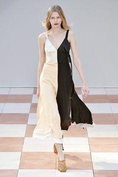 Pin for Later: Die 12 größten Mode-Trends in diesem Herbst  Céline Herbst/Winter…