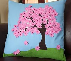 a Stitch & a Prayer: March Pillow Party - in pictures. Lots of them.