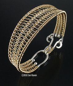 The Soumak Weave | JewelryLessons.com