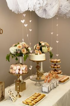 Love this combination of white and gold for simple decorations gold