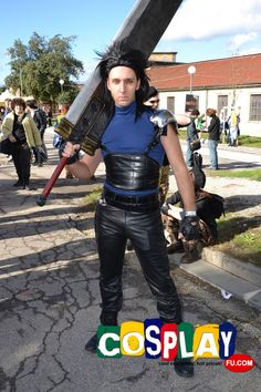 Zack Wig from Final Fantasy Zack Fair, Final Fantasy Cosplay, Lucca, Cool Costumes, Finals, Wigs, Leather Pants, Comics, Games